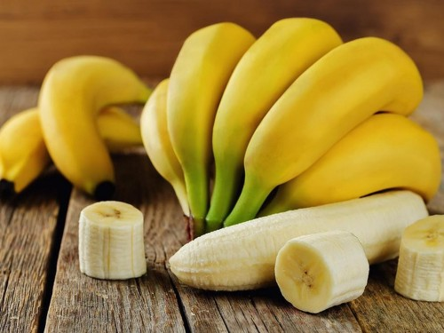 Банан ветками