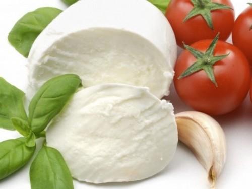 Сыр Моцарелла твёрдый с фермы