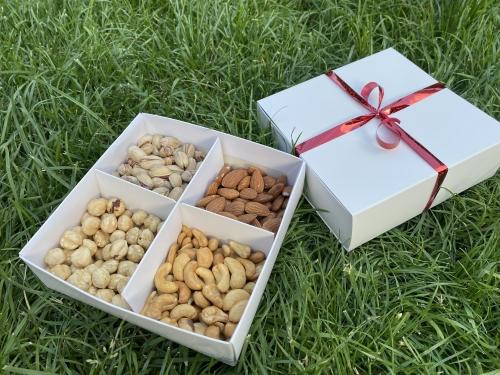 Подарочный набор «Царь Орех» 400 гр/ белая коробка